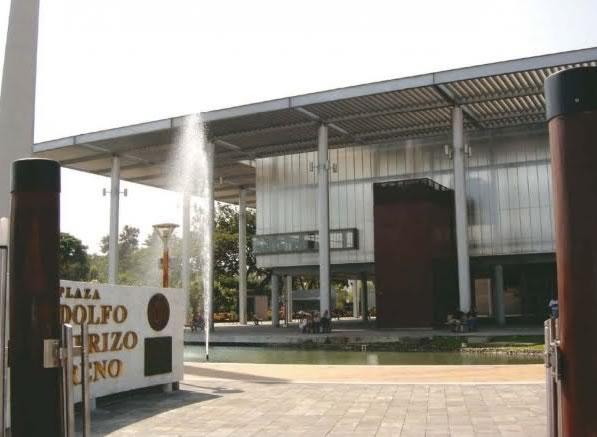 Plaza_Rodolfo_Baquerizo